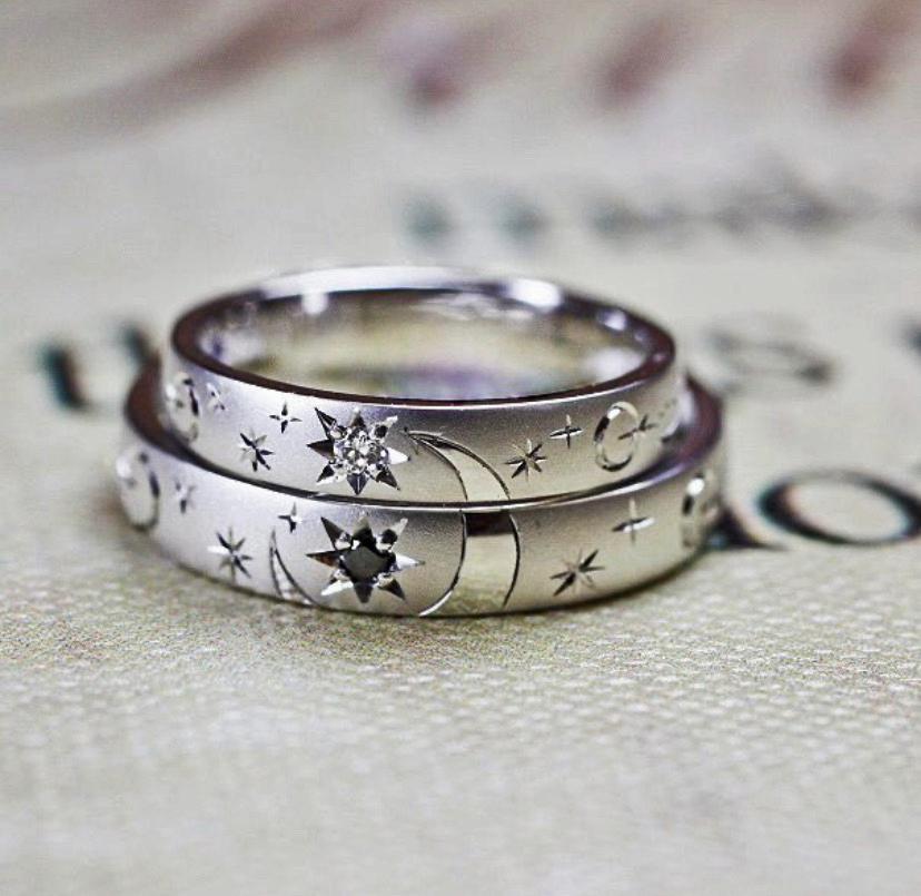 結婚指輪を重ねて月と星の模様を作ったオーダー作品