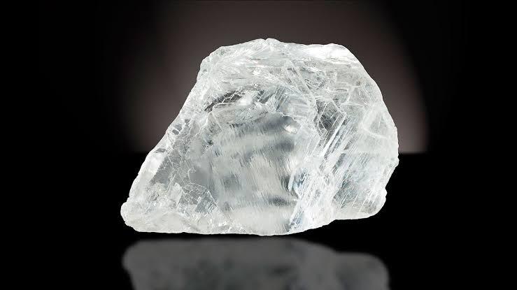 婚約指輪のダイヤモンドの輝きは原石の品質で決まる!その3つの理由
