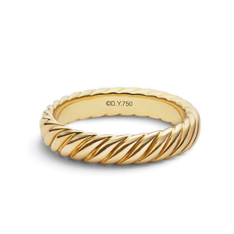 18金ゴールドで出来たケーブルデザインのメンズマリッジ
