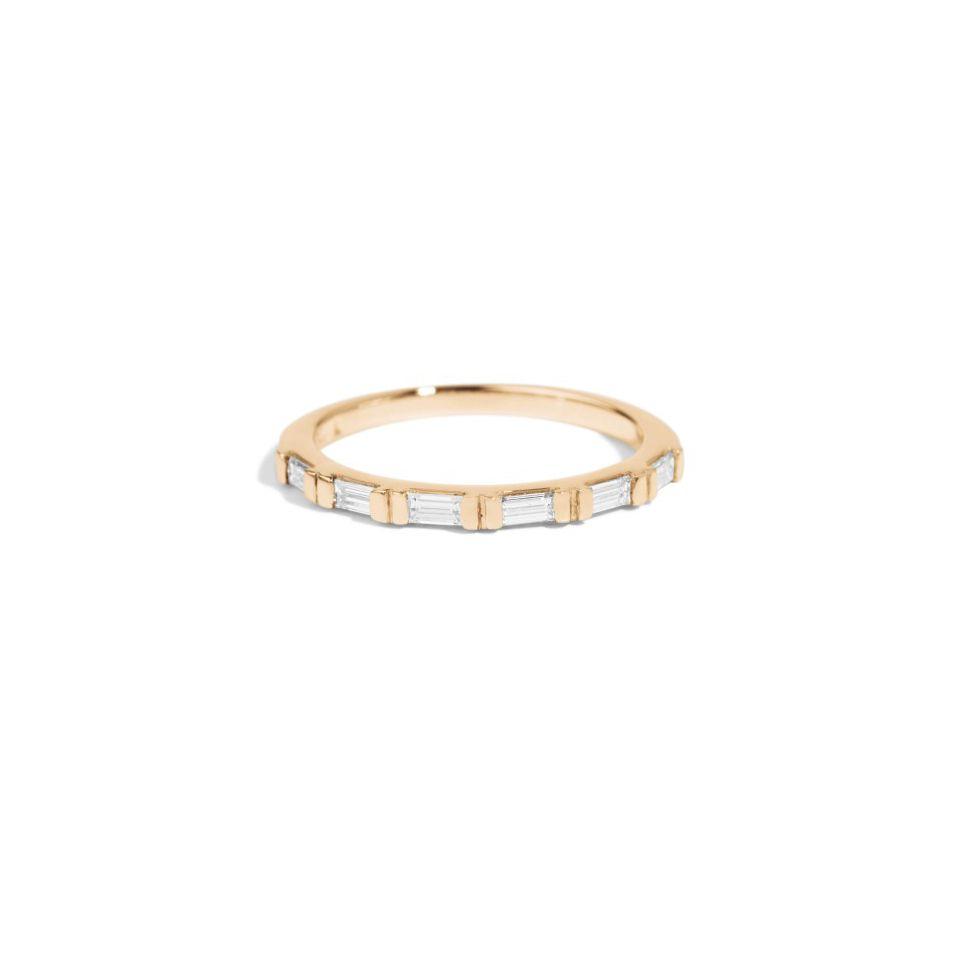 ZoëChicco・バゲットダイヤが6ピース並んだゴールドの結婚指輪