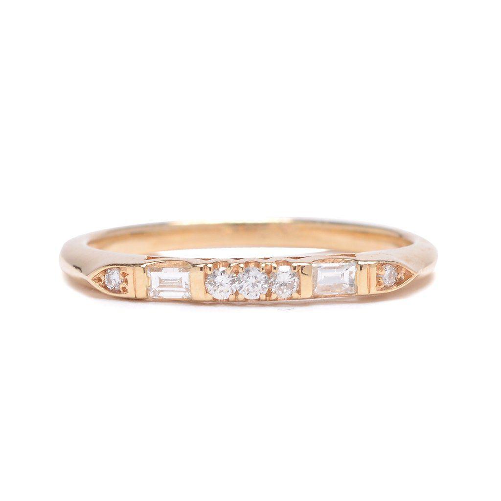 ロリマクリーン・バゲットとラウンドダイヤの結婚指輪