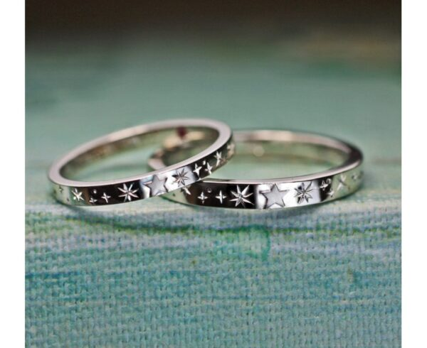 星の模様が入った結婚指輪が完成