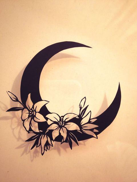 2匹のカエルが蓮の上で見つめあう結婚指輪に入れる月の柄のラフ画