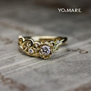 バラの婚約指輪をゴールドリングにデザインしたオーダーメイド作品