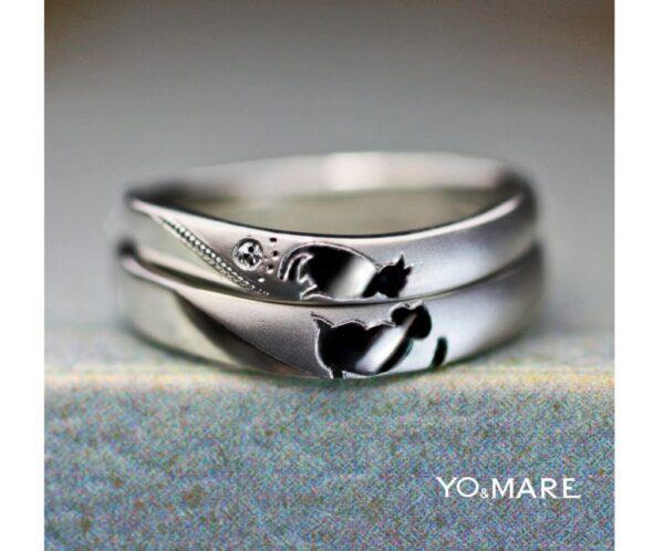 結婚指輪を重ねてネコとお猿がチューするオーダー作品が完成