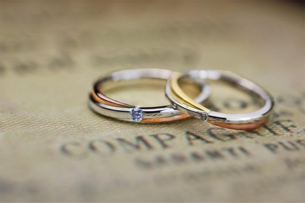 プラチナとピンク&イエローゴールドがクロスしたオーダー結婚指輪