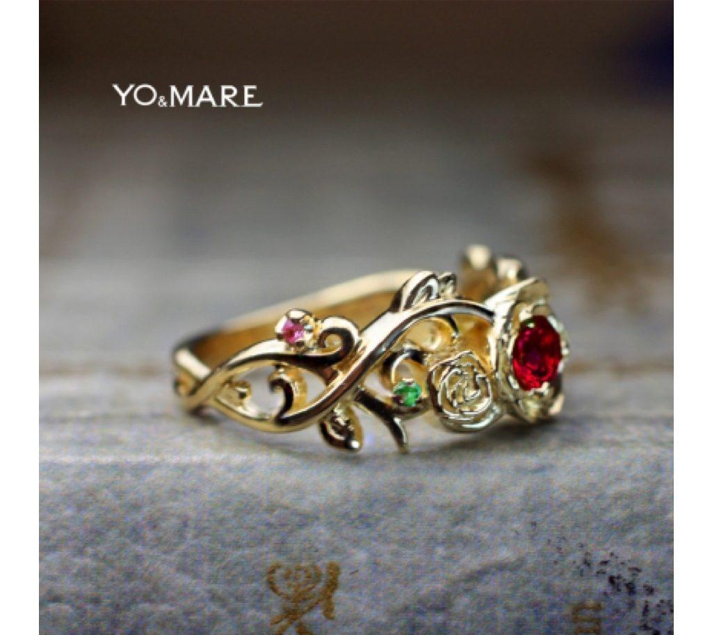 バラのデザインで婚約指輪をオーダー