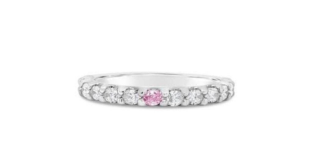 ピンクダイヤが1P輝くエタニティリング