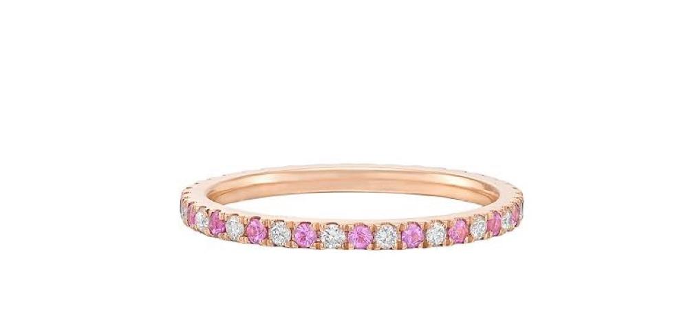 ピンクダイヤとホワイトダイヤを交互に一周取り巻いたピンクゴールドのエタニティリング