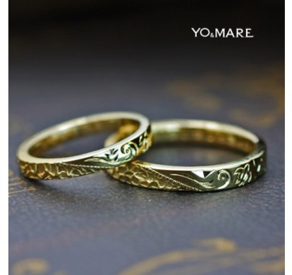 カメと波の珊瑚礁をハワイアン柄でデザインした結婚指輪が完成