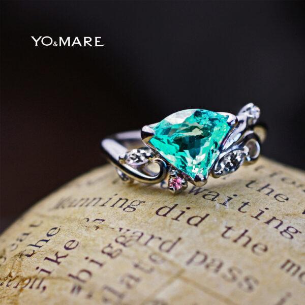 パライバをプラチナリングにデザインした婚約指輪オーダーメイド作品