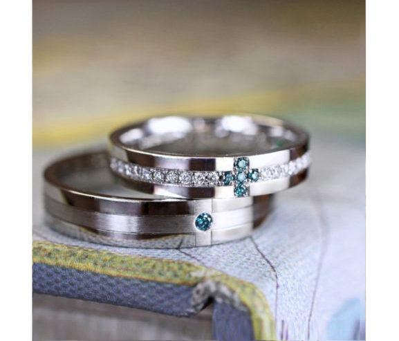 ブルーダイヤでクロスを作った結婚指輪 オーダーメイド作品