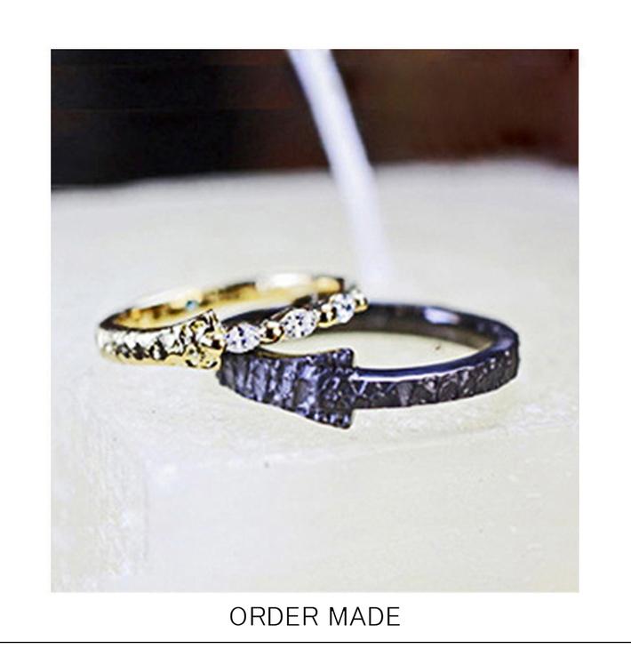 ゴールド&ブラックゴールドの個性 的なオーダーメイドの結婚指輪のサムネイル