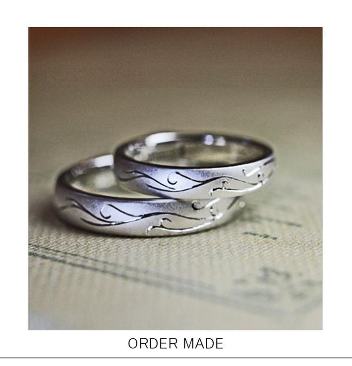 風の模様を表面にデザインした オーダーメイド・結婚指輪のサムネイル
