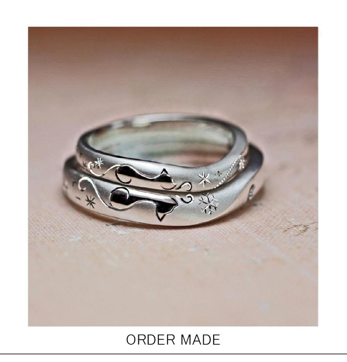 デュエット・ネコの柄模様とハートのオーダーメイドの結婚指輪のサムネイル