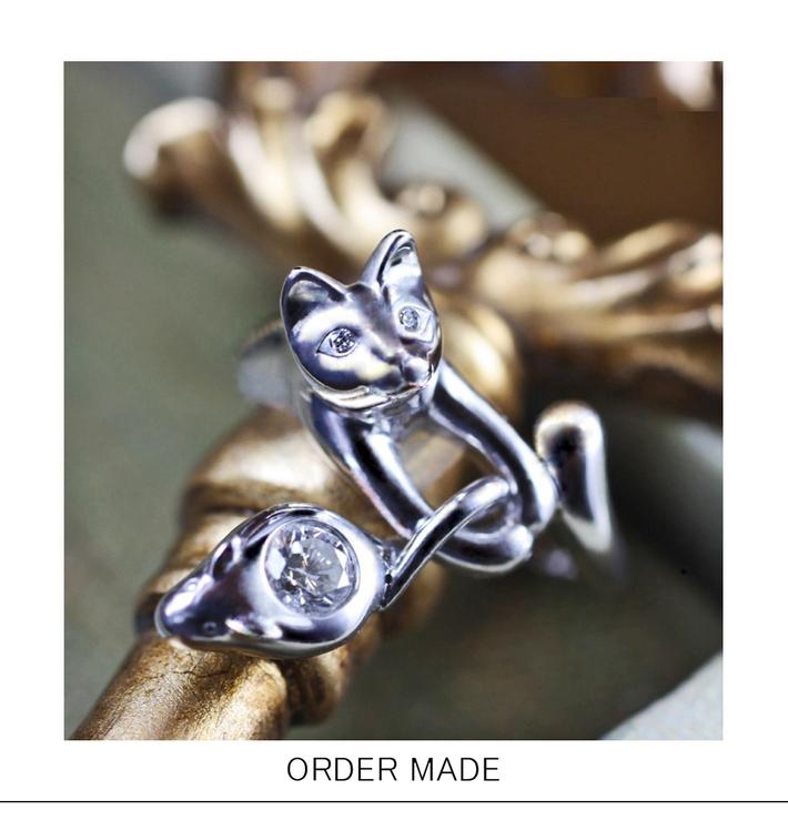 ネコの瞳にダイヤモンドが入った プラチナエンゲージ・婚約指輪のサムネイル