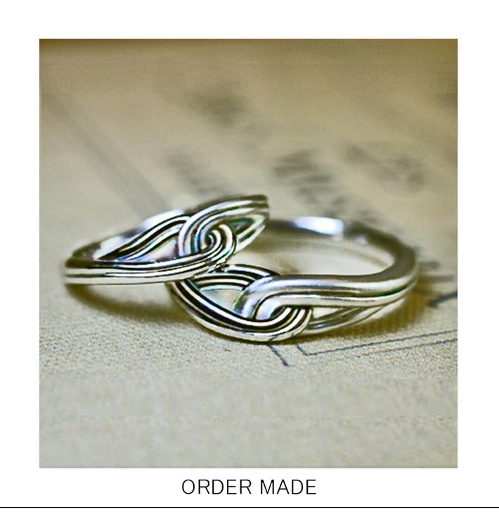 結んだ糸のデザインのオーダーメイド結婚指輪のサムネイル